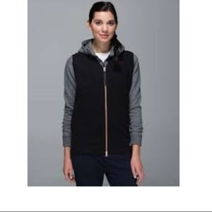 Lululemon departure vest size 4
